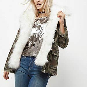 Fausse Fourrure Verte : manteaux femme vestes manteaux d 39 hiver river island ~ Teatrodelosmanantiales.com Idées de Décoration