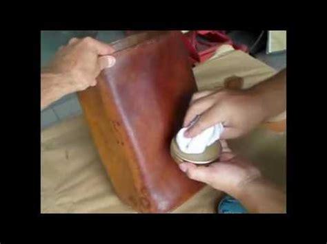 cuir pour recouvrir chaises nettoyage d 39 un cuir taché