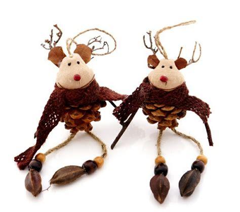 deko weihnachten zapfen basteln mit tannenzapfen 50 diy ideen deko feiern