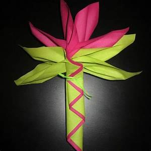 Fleur En Papier Serviette : pliage serviette fleur oiseau du paradis avec pliage de serviette en papier 2 couleurs eventail ~ Melissatoandfro.com Idées de Décoration