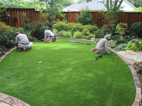Best Artificial Turf For Backyard by Best 25 Grass Ideas On