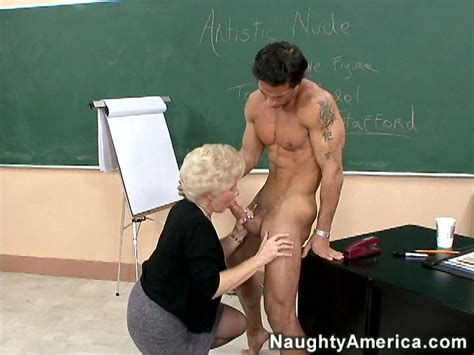 Mrs Jewell Hot Clusses And Skillful Blowjob Video