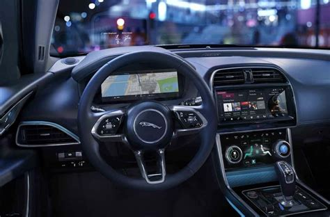 jaguar xe preview refreshed   tech