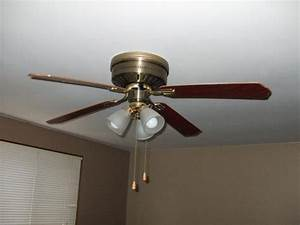 What make and model is this ceiling fan light combo