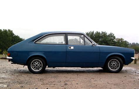 File:Morris Marina Coupe, Frensham Ponds, Surrey 13 August ...