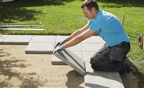 Terrassenplatten Verlegen So Gehts by Terrassenplatten Verlegen So Geht S Ogr 243 D Terrace