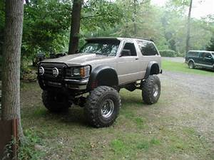 Solid Axle S-10  Or S-10 Blazer