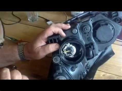 hyundai i30 headlight replacement and clip 2008 model