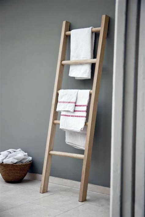 Handtuchhalter Leiter Holz wooden towel ladder in both rustic as well as in modern