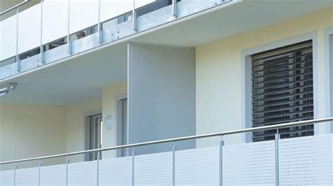 sichtschutzwaende balkontrennwaende terrassenabtrennungen