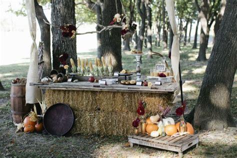 11 diy ideas for rustic weddings hay bales buffet