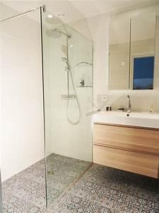 Petite Salle De Bain Design : petite salle de bain pratique agence ine photo n 71 ~ Dailycaller-alerts.com Idées de Décoration