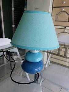 Lampe De Chevet Bleu : 2 lampes de chevet bleu pied galets annonce meubles ~ Dailycaller-alerts.com Idées de Décoration