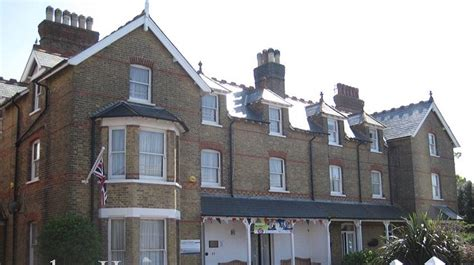 london house school  english reviews  school details