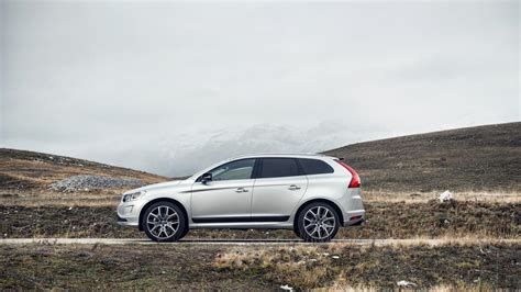 automotive minute  volvo xc wears  model age