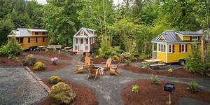 Mt hood tiny house village tour oregon tiny house rentals for Tiny house village