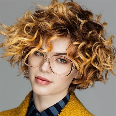 magnetizing short curly hairstyles  women      hairstyles