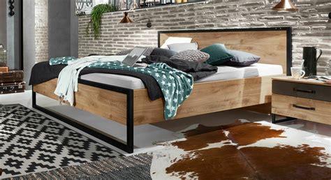 Bett Industrial Style by Designerbett G 252 Nstig Im Industrial Style Mit Metall Lakewood
