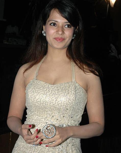 Beautiful Images: Saloni Aswani Sexy At Maryada Ramanna ...