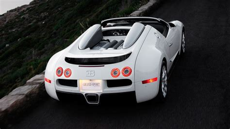 Here's Why A Bugatti Veyron Oil Change Costs ,000