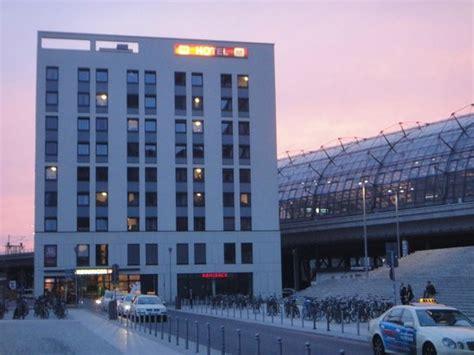 Meininger Hotel Berlin Hauptbahnhof  Picture Of Meininger