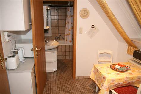 Wohnung Mieten Bielefeld Warmmiete by M 246 Blierte Dachgeschoss 2 Zimmer Wohnung In Bielefeld Mitte