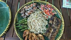 Seafood Boodle fight - Picture of Alan's FIlipino ...