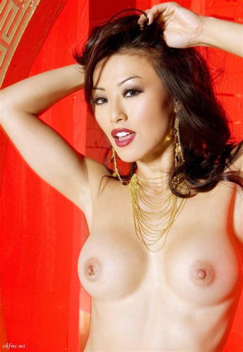 Korean Glamour Model Sung Hi Lee Naked Photos