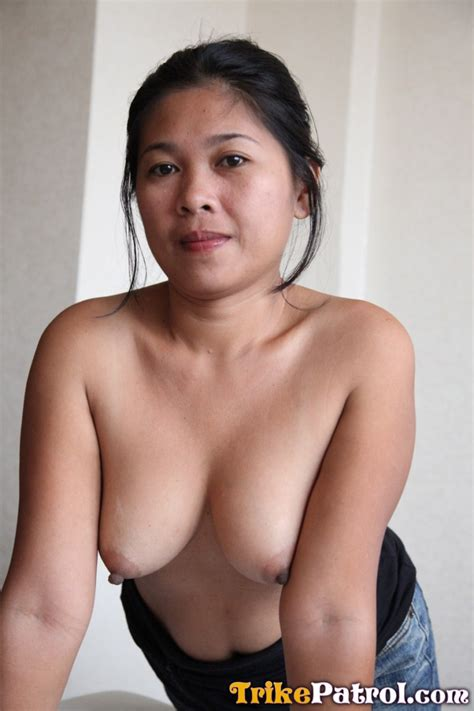 Filipino Milf 48938 Shy Filipina Milf Has First Taste Of