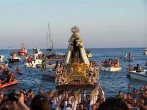 Las Fiestas del Carmen llegan a los pueblos marineros de la Costa Dorada