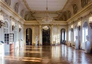 File:Menshikov Palace (Grand Hall).jpg - Wikimedia Commons