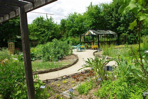 Le Jardin Biologique De La Maison De L'environnement Et Du