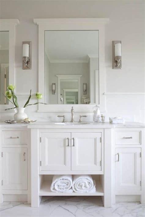 bathroom flooring ideas for small bathrooms best 25 hton style bathrooms ideas on