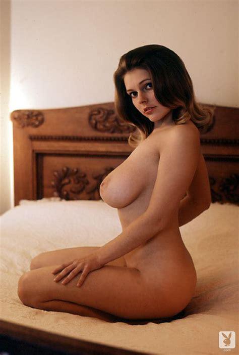 Busty Babe Melinda Windsor