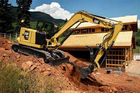 caterpillar debuts  micro  mini excavators  gieexpo