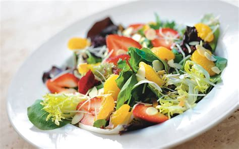 Why We Love Salads for Summer