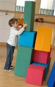 Schaumstoff Bausteine Kinderzimmer : briks bringt kinder in bewegung briks kinderspielh user baukl tze aus kinderzimmer ~ Watch28wear.com Haus und Dekorationen