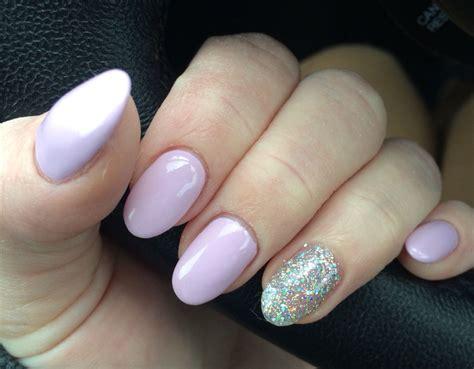 Lavender Pale Purple Pink Gel Nails. Silver Glitter Accent