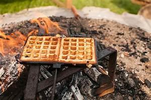 Waffeleisen Gusseisen Feuer : petromax waffeleisen am lagerfeuer einfach waffeln machen grill shop sandwichmaker ~ Watch28wear.com Haus und Dekorationen