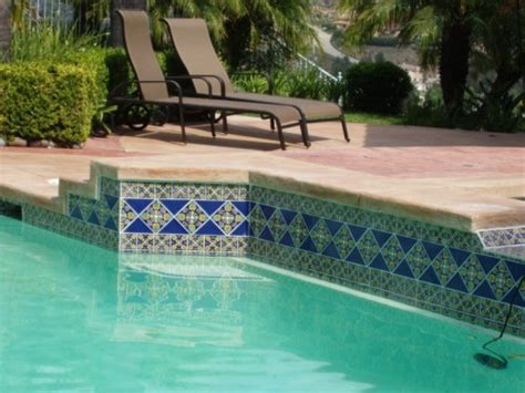 Decorate Your Swimming Pool With Attractive Tiles