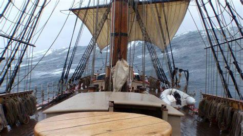 rescue video sandy sinks tall ship hms bounty replica off