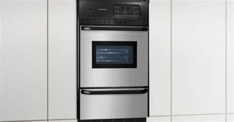 used wall ovens for frigidaire 24 quot single gas wall oven donated goods i 8795