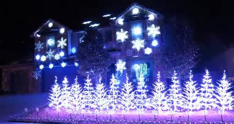 this frozen christmas light show by an austin texas