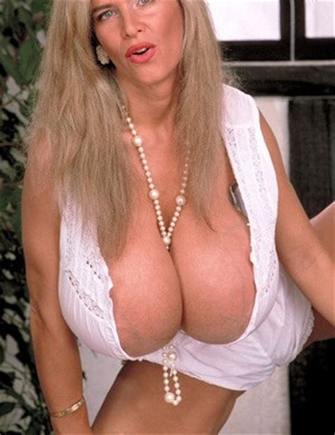 Mature Big Tits And Huge Saggy Boobs Pics