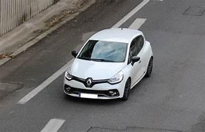 Fiabilité Clio 4 : les performances renault clio 4 2012 vitesse maxi renault clio 4 performances essences et diesels ~ Gottalentnigeria.com Avis de Voitures