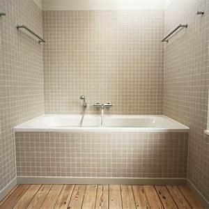 Carrelages Salle De Bain : peinture salle de bains pour agrandir l 39 espace restreint ~ Melissatoandfro.com Idées de Décoration