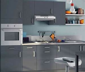 comment dynamiser une cuisine entierement grise With idee deco cuisine avec cuisine moderne gris clair