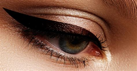 wing  learn    cat eye makeup    expert