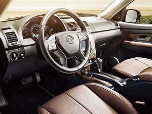 2015 Ssangyong Rexton facelift interior - Indian Autos blog