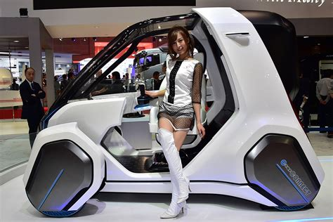 Futuristic Fuel-cell Vehicles And